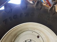 New Holland T7.220 - T7.270 710/70R38 600/65R28 Komplettradsatz